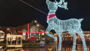 Fox Valley Shopping Centre - Christmas Lights Switch On Event - EES Showhire stage production and audio hire